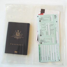 Style 7370 Clear Wallets